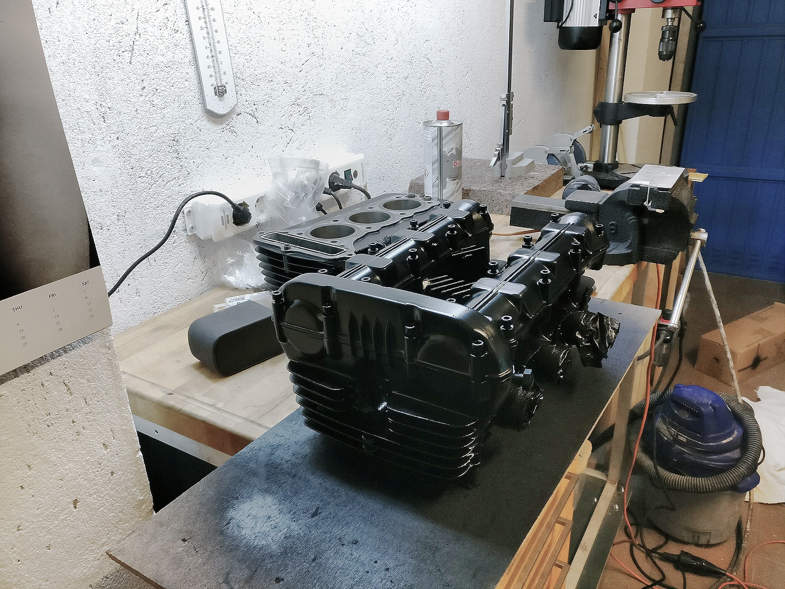xs750 engine part 3