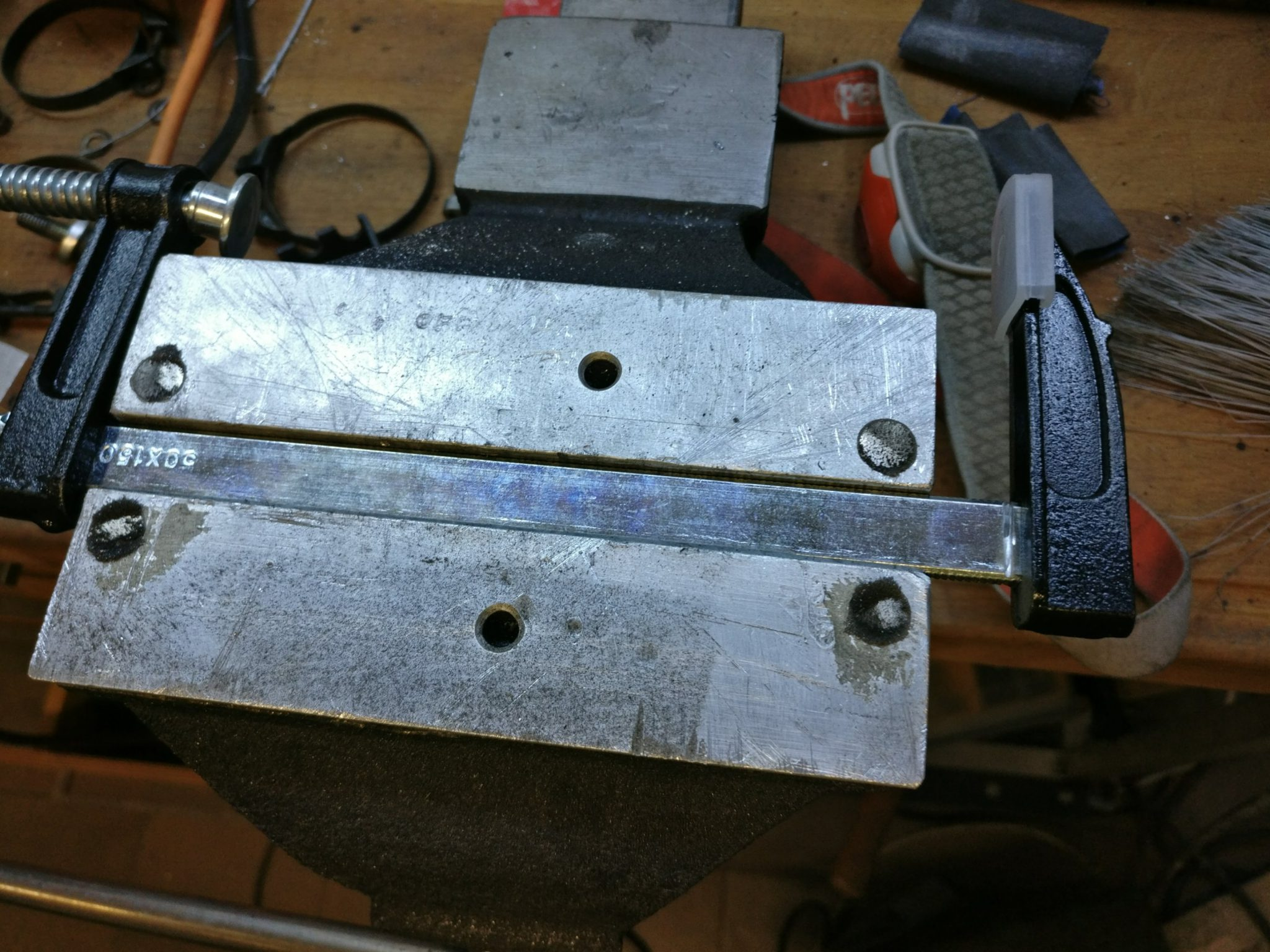 Cheap clamp, the right part gonna be cut off